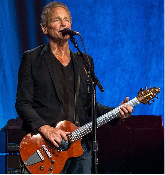 Lindsay Buckingham Band Issues
